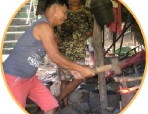 Traditional Blacksmith of Bongbongan, Antique